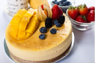 Rich Mango Baked Cheese Cake