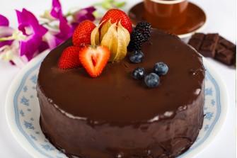Special Chocolate Praline Crunch Cake