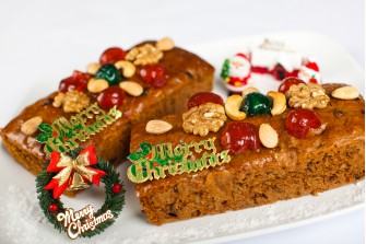 7 1/2 By 4 Inch Light & Moist Christmas Fruit Cake